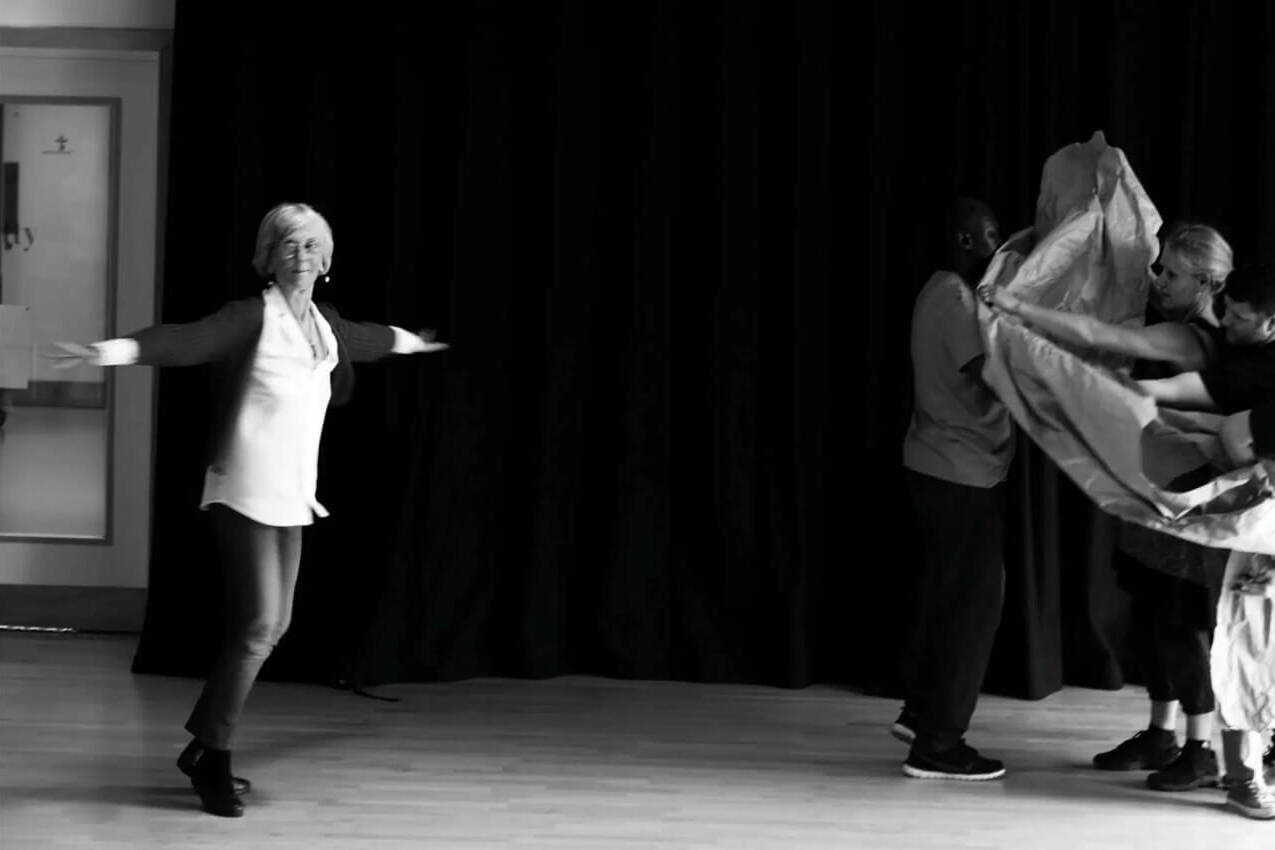 Group dancing | Collective Identity